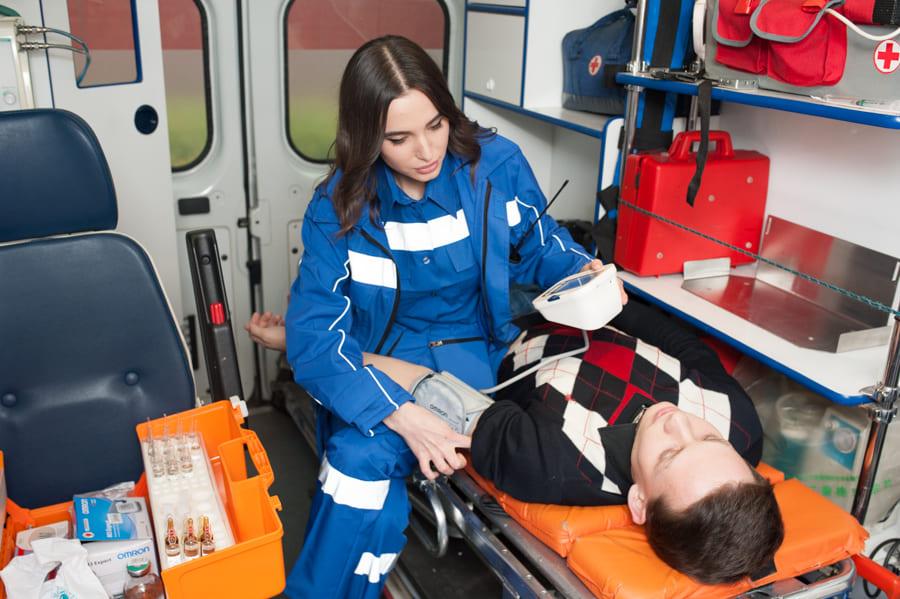 неотложная помощь при переломах, инфекционно токсический шок неотложная помощь, неотложная помощь в педиатрии, неотложная помощь платная, неотложная помощь при почечной колике, неотложная помощь при судорогах и судорожном синдроме, неотложная помощь при приступе бронхиальной астмы, неотложная помощь при дыхательной недостаточности, неотложная помощь при отеке квинке, неотложная помощь при гипертермии, неотложная и экстренная медицинская помощь, неотложная и экстренная помощь детям, детская неотложная помощь, помощь при неотложных состояниях, неотложная помощь при шоке, клиника неотложной помощи, неотложная помощь при кровотечениях, неотложная помощь при анафилактическом шоке, неотложная и экстренная помощь при отравлениях, круглосуточная неотложная и экстренная помощь, неотложная помощь при гипертоническом кризе