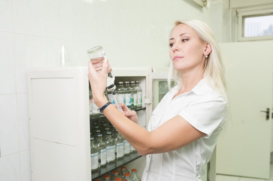 передозировка успокоительными или слабительными препаратами, передозировка антибиотиками, амоксициклин, омепразол, азитромицин, передозировка имуномодуляторами, виферон, имунофан, аллокин альфа, циклоферон, амиксин, арбилол, ингаверин, передозировка панангин, адреналин, фенобарбитал, преднизолон, папаверин, зиртек, аевит, мелаксен, эуфеллин, метронидазол, дексаметазон, кетонал, пенталгин, церукал, сумамед, лирика, каптоприл, аспаркам, сиалис, аллохол, амбробене, финлепсин, зодак, сальбутамол